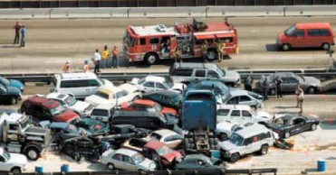 highway-crash-multi-car-pile-up-multiple-vehicle-collision-2